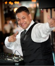 Dj Izzie Entertainment Tampa bay Dj and Uplighting Services