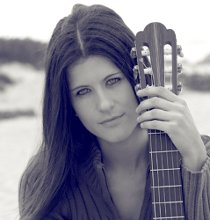 Classical Guitarist Maya Hill