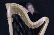 The Living Harp Karlinda Caldicott harpist